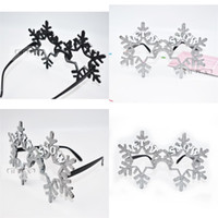 Wholesale snow supplies - Creative Spectacle Frame Halloween Prop Snow Snowflake Christmas Party Favor Funny Ball Glasses Silvery Golden Powder Special 8 5sfa V