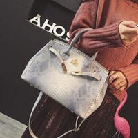 luxus python handtaschen großhandel-Luxus Handtasche Frauen Tasche gedruckt Schlange Krokodilleder Jelly Bag Tote Python Designer Geldbörse weibliche Umhängetasche Schulranzen