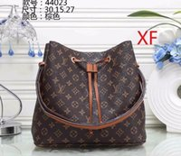 Wholesale animal cell shapes online - Hot selling fashion ladies hand bags women s casual handbags handbags Men s brand wallett Big brand fashion bag Clutch bag