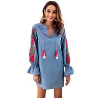 mavi uzun kollu elbiseler toptan satış-Kadın Elbise Tasarımcısı Sonbahar Denim Mavi İpli V Yaka Nakış Fener Uzun kollu Gevşek Elbise Kadın Gömlek