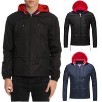 ingrosso giacca corta cappuccio-Giacca calda da uomo in nylon con cappuccio a vento, tinta unita, colore nero / blu scuro