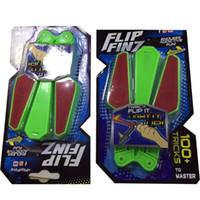 flip messer großhandel-Zappeln Spinner Yulu Lumineszenz Spielzeug Student Parteibevorzugung Drehen Schmetterling Messer Flip Finz Led Leuchten Dekompression Kreative 12xc V