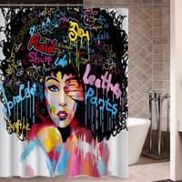 chuveiros de construção venda por atacado-Retrato Graffiti Art Hip Hop Africano Menina com cabelo preto Grande brinco com Modern Edifício Shower Curtain para decoração do banheiro