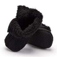 botines del bebé del ganchillo al por mayor-Zapatos de niño recién nacido de invierno para bebés Faux Fleece cálidos botines de punto de ganchillo Zapatos de suela suave bebé cuna primeros caminantes