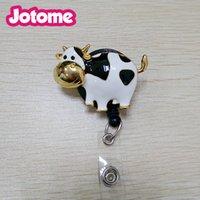 bobinas de crachá brancas venda por atacado-Disponível Enamel Animal Brooch Nurse Branco e Preto vaca leiteira Retrátil ID Badge Reel