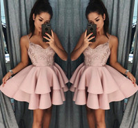 camadas de chocolate venda por atacado-Empoeirado Subiu Curto Vestidos Homecoming 2018 New Fall Cintas De Espaguete A Linha Camadas Cocktail Dress Lace Lantejoulas Mini Prom Vestidos BA9891
