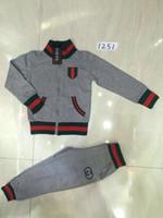 erkek pantolon yeni stil toptan satış-Xinxin 2018 Yeni Ürün Sonbahar Boys Set Saf Pamuk Standı Yaka Ceket uzun Pantolon Iki parçalı Takım Elbise Sokak Stili Moda Rahat Çocuk Giyim