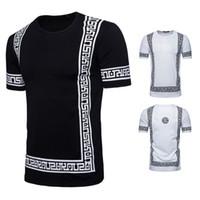 erkekler tee tasarımı toptan satış-Lüks Desen Tasarım Erkekler T Shirt Yaz Homme Pamuk Ekip Boyun Tees Kısa Kollu Siyah Beyaz Renk Giysileri
