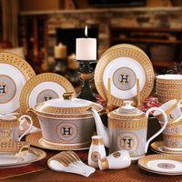 ingrosso set di piatti della cena della porcellana-2018 servizio set da tavola per 6 in-glassa fine bone china set da tavola tazza di caffè piatto cena regalo di nozze