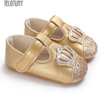 tasarım beşikleri toptan satış-Bebek Yenidoğan Bebek Erkek Kız Taç Ayakkabı Beşik Prewalker Yumuşak kaymaz Ayakkabı Güzel ve Büyüleyici tasarım PU z0725