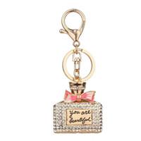 парфюмерный брелок оптовых-2017 Rhinestone Alloy Perfume Bottles Sparkling Charm Keychain Bag Handbag Key Ring Car Key Pendant ag03