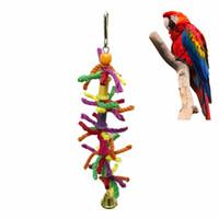 papağan oyuncakları toptan satış-Papağan Kına Oyuncaklar Renkli Pamuk Halat Kemirgen Dize Kuş Kafesi Kolye Renkli Popinjay Iyilik Salıncak Sıcak Satış 6ym Y