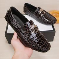 kaliteli deri kayma ayakkabıları toptan satış-Marka Erkekler Düz Ayakkabı Kaliteli Bölünmüş Deri Erkekler Loafer'lar Katı Siyah Nefes Slip-Açık Erkekler Sürüş Ayakkabı Yumuşak deri üst Loafers