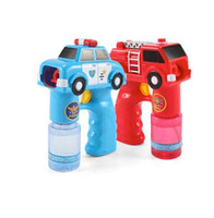 ingrosso bambini auto giocattolo elettrico-New Outdoor Automatico Elettrico Giocattolo Auto Fire Engine Soap Blow Bubbles Gun Machine Musica Light Water Gun Kids Gioco Bubble