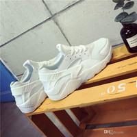 schuhe brogue großhandel-Marke Designer 2017 Männer Leichte Casual Schuhe Hohe Qualität Leder Casual Weiß Schuhe Herren Krasovki Brogue Schuhe Loafers Mann ZXW890