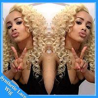 ingrosso parrucca riccia naturale bionda-Parrucca Cosplay Afro Kinky Riccio Naturale Cercando Biondo # 613 Parrucca Sintetica Colore Pizzo Resistente al Calore Pizzo Riccio Parrucche Sintetiche