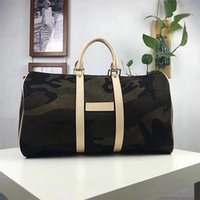boston çanta toptan satış-2018 marka moda lüks tasarımcı çanta mens tasarımcı lüks çanta çantalar kadın camo keepall bandouliere 45 duffle kamuflaj boston çanta