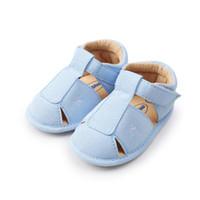 97c0cc46828a1 2018 nouveau bleu bébé sandales Baotou été nouveau-né garçon fille  chaussures de sport anti-dérapant enfants sneakers infantile bébé en cuir  souple ...