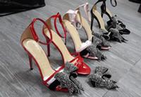 cheville bow talons hauts achat en gros de-Été Femmes Sandales En Cuir Verni Lise Crystal Grand Arc-Orné Bout Ouvert Sexy Talons Hauts Cheville Sangle De Luxe Stilettos Piste De Mode