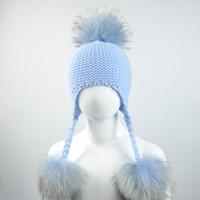 ingrosso cappelli a maglia di calcio bambino-Cappello bambino lavorato a maglia con tre pompon in vera pelliccia Beanie Boy Girl Natural Raccoon Fur Ball Cap per bambini Carino Real Pom Pom Hat