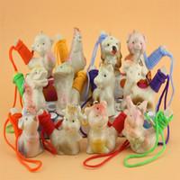 tierkreis keramik großhandel-Keramik Wasservogel Pfeife Mit Seil Musikspielzeug Chinese Zodiac Whistles Neuheit Kinderspielzeug Geschenk 1 25mca C