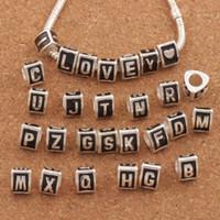 pulseira de esmalte preto venda por atacado-81 pçs / lote A-Z Carta E Coração Triângulo Preto Esmalte Big Hole Beads Fit Charme Europeu Pulseira Jóias DIY 9.5X7mm
