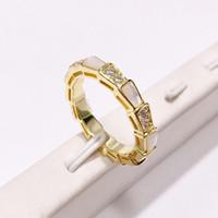 joyería de forma de diamante al por mayor-Forma de la serpiente de moda anillo de diamantes joyería Rose oro-color Bague serpiente anillos para mujeres linda joyería del partido
