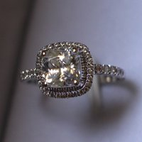 Wholesale reliable gold - New Design Halo Paved Cushion Cut 2CT Reliable Synthetic Diamonds Ring Engagement Bride White Gold Color Jewelry