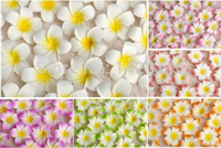 clip plumeria hawaïen achat en gros de-100 pcs 7 cm gros Plumeria hawaïen mousse fleur de frangipanier pour la fête de mariage pince à cheveux fleur bouquet décoration