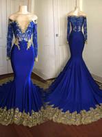 çarpıcı altın gece kıyafetleri toptan satış-Çarpıcı Uzun Kollu Altın Aplike Mermaid Abiye Şifon Illusion Arapça Pageant Parti Gelinlik Modelleri Örgün Robe De Soiree