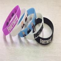 les bracelets en silicone brillent achat en gros de-Jeu Fortnite Noctilucous Silicone Bracelet Bracelet pour Hommes Femmes Enfants Bijoux Royale Glow dans Nuit Lumineux Bracelet Party Favor Fans Cadeau