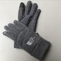 ingrosso guanti da arrampicata invernale-Vendita calda TN Foutdoor Autunno e guanti da arrampicata invernali uomo donna pile antiscivolo guanti da bicicletta sport touch screen