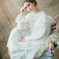 frauen s weiße baumwoll-nachthemden großhandel-Mutterschaft Nachtwäsche Pijama Retro Nachthemd Schwangere Frauen Lace Cotton Long Sleeved White Pyjamas Kleid für Schwangere CC591