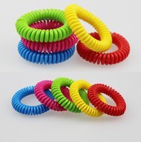 kunststoff-armbänder großhandel-Neuer heißer teleskopischer Frühlingsringart Mückenschutzarmband im Freien Anti-Moskito-Silikonarmbänder Plastikspule I011