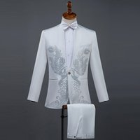 мужской белый костюм с бриллиантами оптовых-Cozimastarla Men Summer Performance Black Diamond Costumes Stand Collar Singer Host Stage White Wedding Groom Suits Top+pant+bow