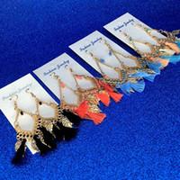uzun renkli küpeler toptan satış-Püskül avize küpe takı moda kadın bohemia renkli tüyler altın kaplama zincirler püsküller alaşım uzun dangle küpe bırak gemi