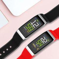 bracelet en bracelet bracelet achat en gros de-USB de charge Smart Bracelet R7 Étanche IP67 Sommeil Fréquence Cardiaque Fitness Tracker Smart Bank Bracelet Tensiomètre pour iP Ss