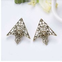 Wholesale jewelry palace china resale online - SHUANGR Fashion alloy brooch Hollow pattern collar angle Palace retro Triangle shirts collar pins women men Jewelry