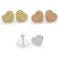 paslanmaz çelik altın mektuplar toptan satış-Yüksek Kalite Marka Kalp İngilizce Mektuplar Titanyum Paslanmaz Çelik Altın Gümüş Saplama Küpe Kadınlar Takı Için