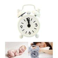 alarmnummer großhandel-New Home Outdoor Tragbare Reizende Nette Cartoon Dial Number Runde Schreibtisch Alarm Mini Uhr