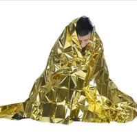 uzay perdeleri toptan satış-Taşınabilir Su Geçirmez Acil Battaniye Altın 160 * 210 Survival Kurtarma Battaniye Folyo Termal Uzay İlkyardım Kurtarma Perde Açık pedleri