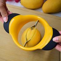 râpe spirelli achat en gros de-Cuisine en acier inoxydable Mango Trancheuse Grande Mangue Fruit Trancheuse Cutter Lames avec Poignées Non Slip Livraison Gratuite LX3449