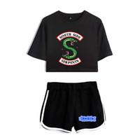 panelas para mulheres venda por atacado-BTS Riverdale Treino Two Piece Set 2018 Algodão Verão Impresso camiseta Respirável Mulher Shorts Tops de Colheita + Shorts Pan