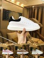 plattform schnüren sich oben schuh großhandel-2018 Desinger Damen Herren Sneakers Schuhe Komfort Freizeitschuhe Plattform Red Bottom Mqueen Schuhe Leder Schnürschuh Oxford Leder Kleid Schuh
