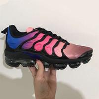 Wholesale Hotsale Shoes - HOTSALE New Vapormax Plus TN VM Triple Black Run In Metallic Mens Designer Shoes Men Running Trainers Women Luxury Brand Sneakers