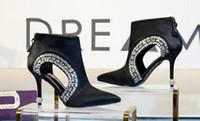 botas de tornozelo de diamante negro venda por atacado-Dedo Apontado de diamante Mulheres de Salto Alto Primavera Oco Out Único Botas Senhoras Pretas Dedos Apontou Zipper Ankle Boots Frete Grátis