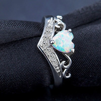 Wholesale fire stone crystal - Fashion White Fire Opal Natural Stone heart Crystal Rings Women Ladies Ring Gifts Jewelry Wedding Party Anniversary ring drop shipping