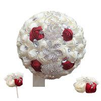 blumenstrauß boutonniere großhandel-Verschiedene Farben Hochzeit Crystal Simulation Rose Holding Blumen Seide Boutonniere Handgelenk Blume Brautsträuße Set W228-4H-T