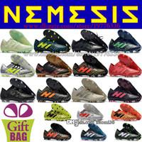 messi botas negras baratos al por mayor-Zapatos de fútbol de cuero para hombre baratos Botas Nemeziz 17.1 FG Messi Botas de fútbol Botines de fútbol para exteriores Negro Azul Blanco Naranja Rojo Verde 39-46
