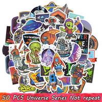 motos niños al por mayor-50 UNIDS Universo Impermeable OVNI Alien ET Astronauta Pegatinas Poster Pegatinas de Pared para Niños Habitación DIY Inicio Laptop Skateboard Equipaje Motocicleta